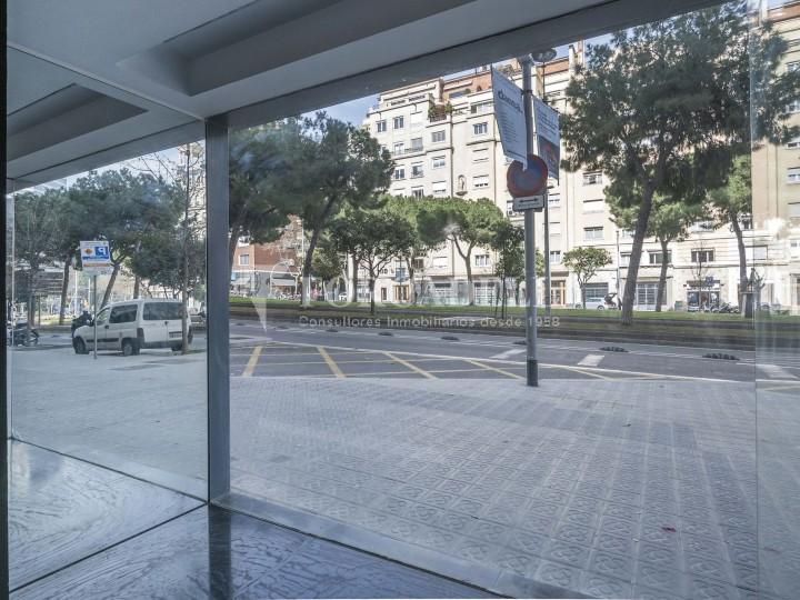 Local comercial situat a l'Avinguda Pau Casals a pocs metres de la plaça Francesc Macià. Barcelona. #6