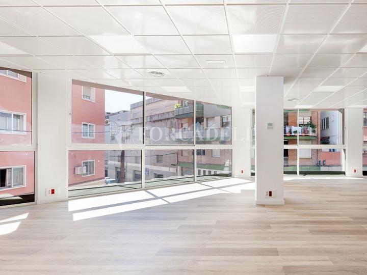 Oficina reformada situada en ple Pg. Maragall. Barcelona. #1