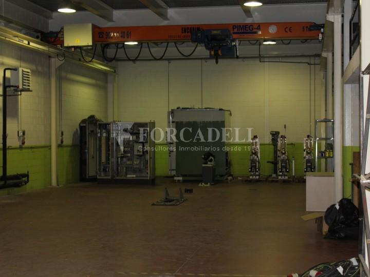 Nau industrial de lloguer de 716 m² - Ripollet, Barcelona. 2
