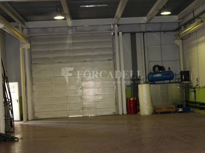 Nau industrial de lloguer de 716 m² - Ripollet, Barcelona. 4