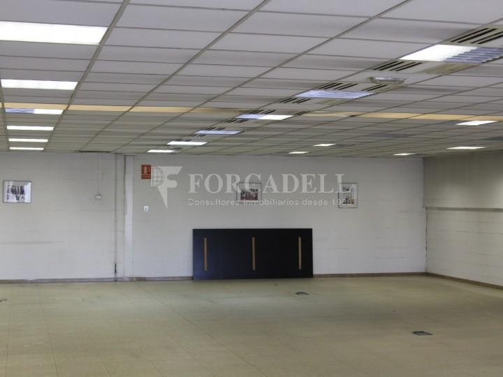Nau industrial de lloguer de 716 m² - Ripollet, Barcelona. 7