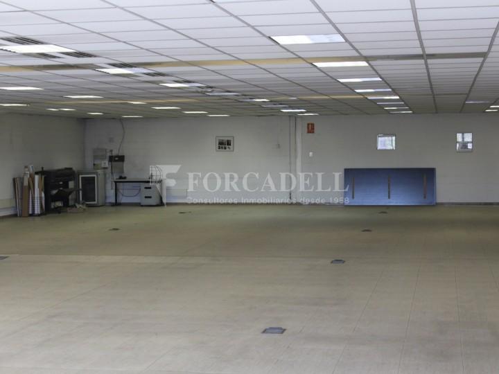Nau industrial de lloguer de 716 m² - Ripollet, Barcelona. 9