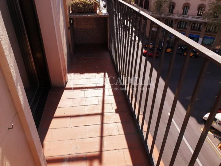 Pis en lloguer al carrer Sant Antoni Maria Claret. 25