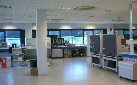Oficina en lloguer en edifici corporatiu situat en el Prat del Llobregat.  3