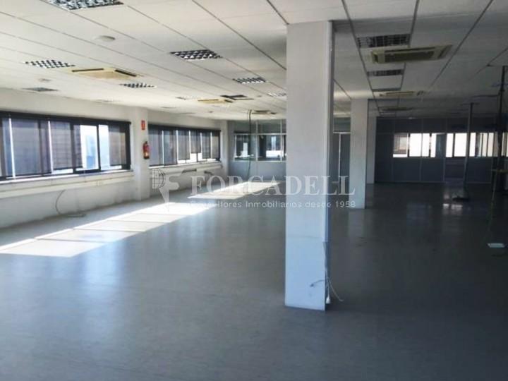 Oficina en lloguer en edifici corporatiu situat en el Prat del Llobregat.  4