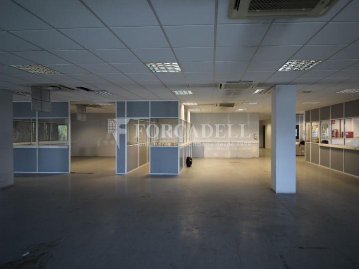 Oficina en lloguer en edifici corporatiu situat en el Prat del Llobregat.  8