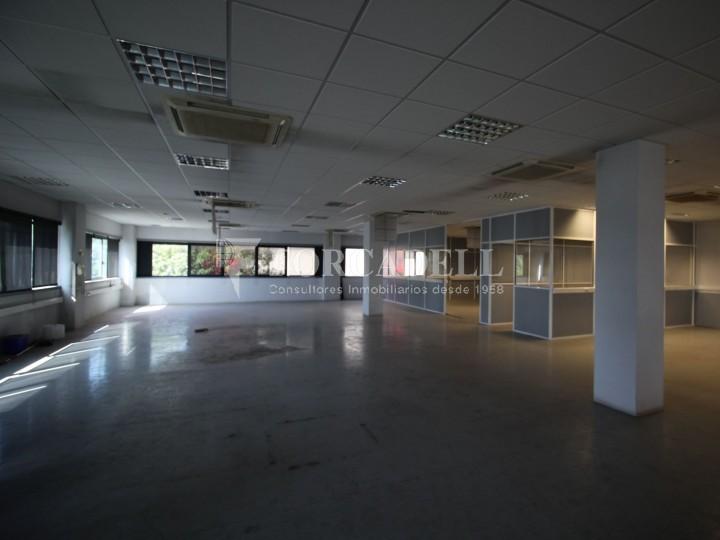 Oficina en lloguer en edifici corporatiu situat en el Prat del Llobregat.  9