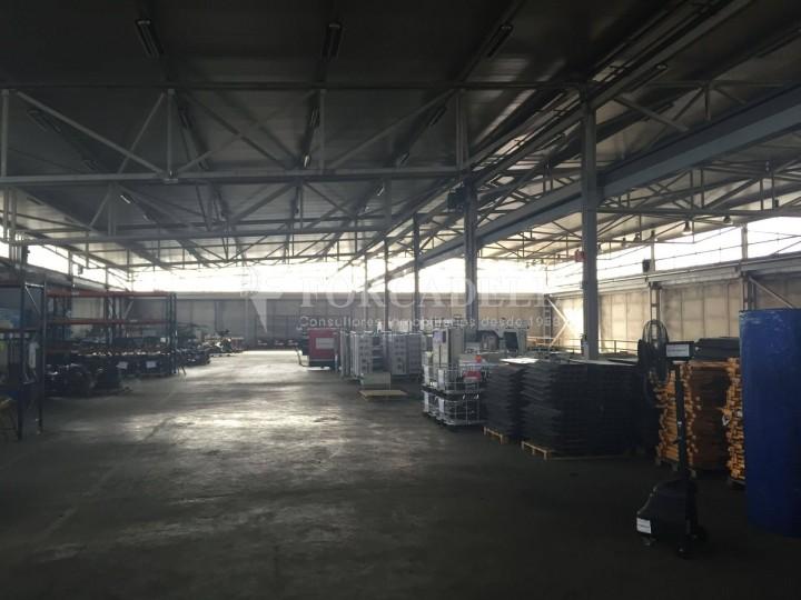 Nau industrial de lloguer de 5.328 m² - Rubi, Barcelona #2