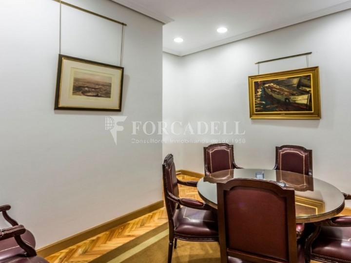 Oficina en lloguer al costat de la Puerta de Alcalá. Madrid 3