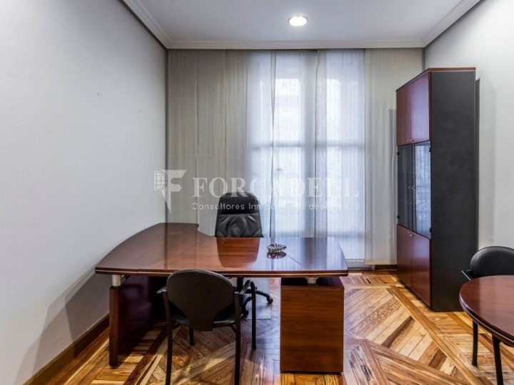 Oficina en lloguer al costat de la Puerta de Alcalá. Madrid 4