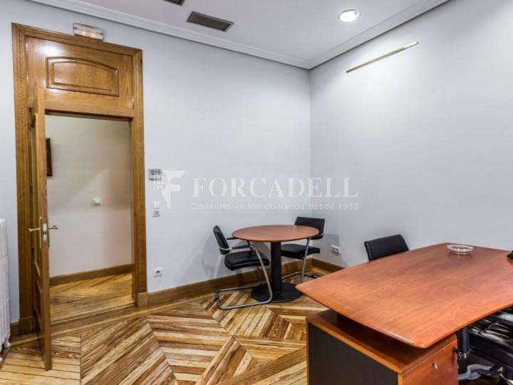 Oficina en lloguer al costat de la Puerta de Alcalá. Madrid 7