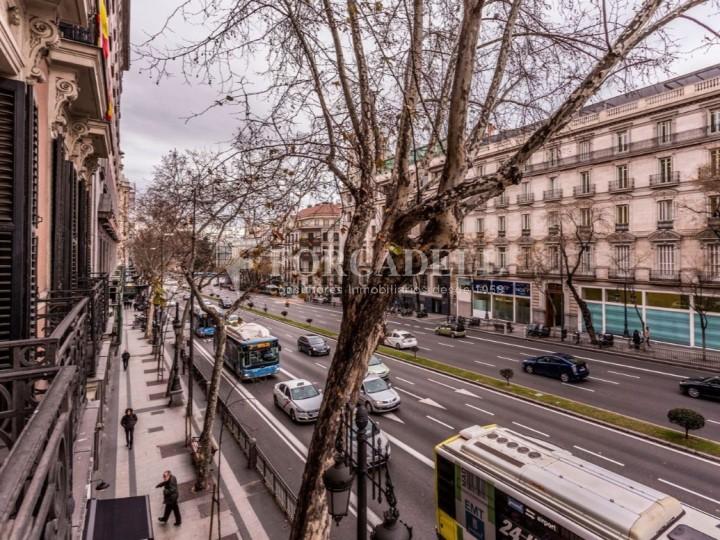 Oficina en lloguer al costat de la Puerta de Alcalá. Madrid 9