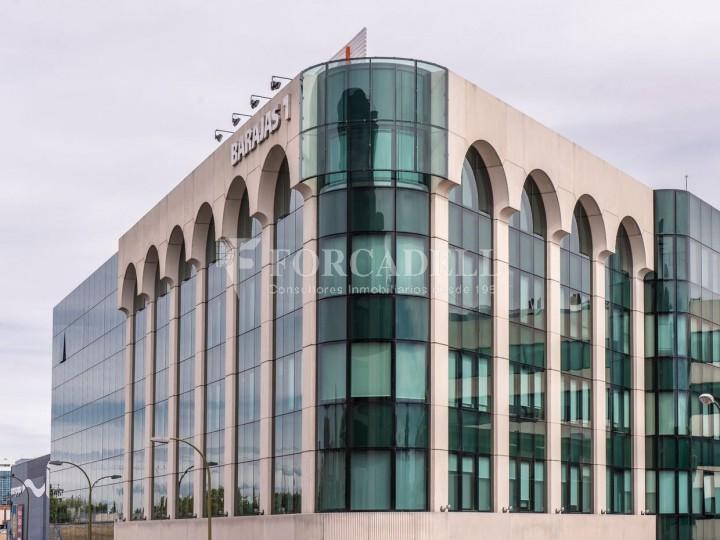 Oficina de lloguer àmplia i lluminosa propera al Camp de les Nacions. Madrid. #1