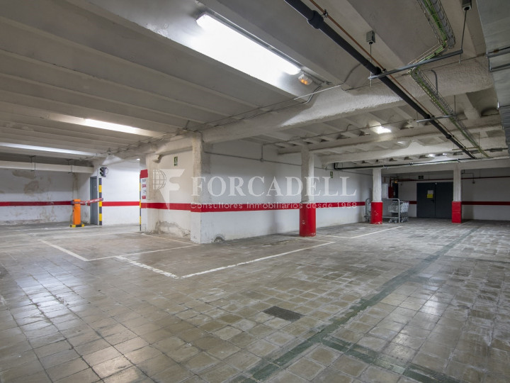 Local comercial a disponible a districte 1 de Sabadell, al barri del Centre.  #15