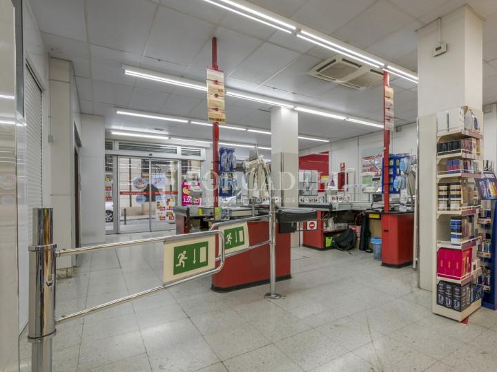 Local comercial a disponible a districte 1 de Sabadell, al barri del Centre.  #3