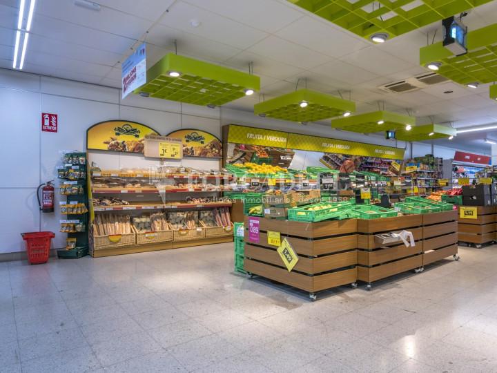 Local comercial a disponible a districte 1 de Sabadell, al barri del Centre.  #4