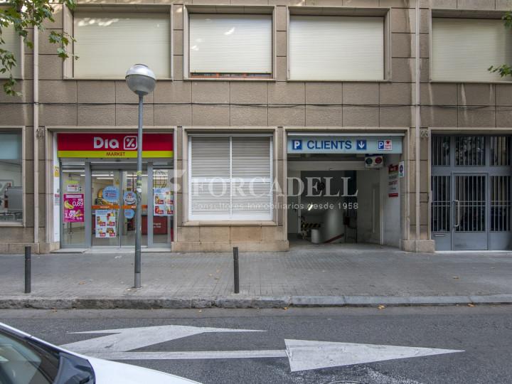 Local comercial a disponible a districte 1 de Sabadell, al barri del Centre.  #41