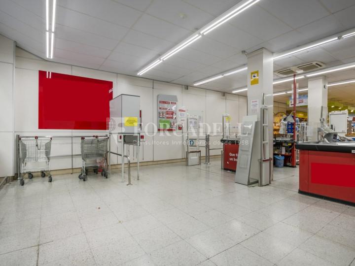 Local comercial a disponible a districte 1 de Sabadell, al barri del Centre.  #43