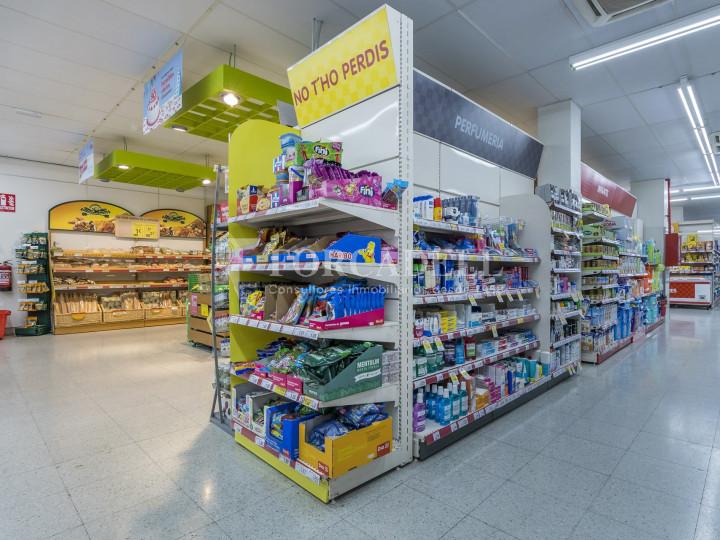 Local comercial a disponible a districte 1 de Sabadell, al barri del Centre.  #45