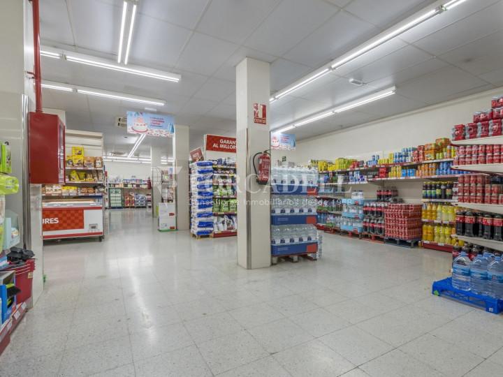 Local comercial a disponible a districte 1 de Sabadell, al barri del Centre.  #46