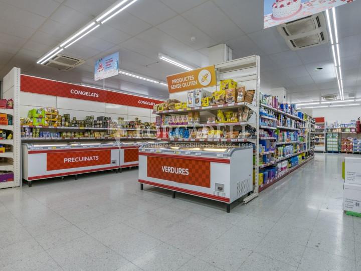 Local comercial a disponible a districte 1 de Sabadell, al barri del Centre.  #47