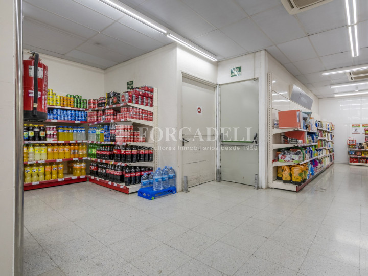 Local comercial a disponible a districte 1 de Sabadell, al barri del Centre.  #48