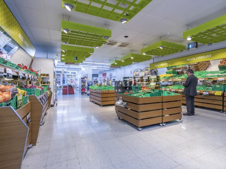 Local comercial a disponible a districte 1 de Sabadell, al barri del Centre.  #49