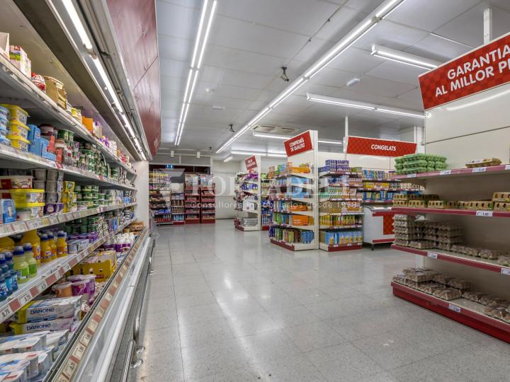 Local comercial a disponible a districte 1 de Sabadell, al barri del Centre.  #51