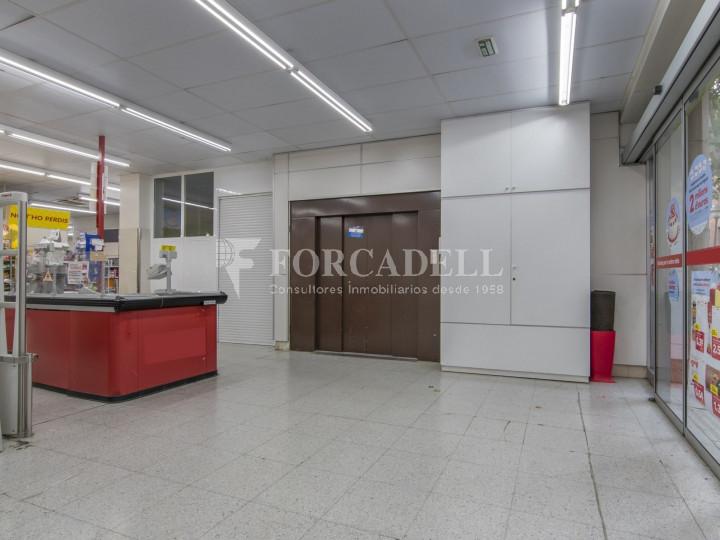 Local comercial a disponible a districte 1 de Sabadell, al barri del Centre.  #8