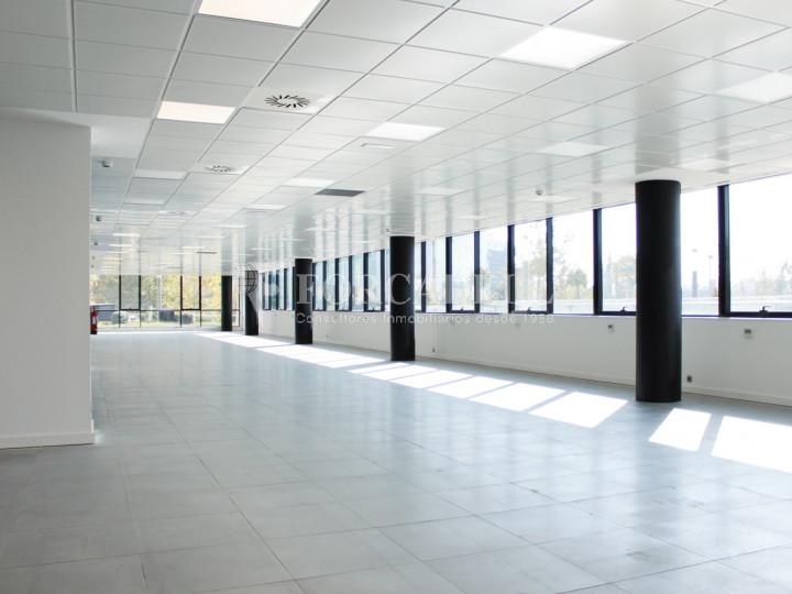 Oficina diàfana de lloguer a l'avinguda de Burgos, Madrid. 8