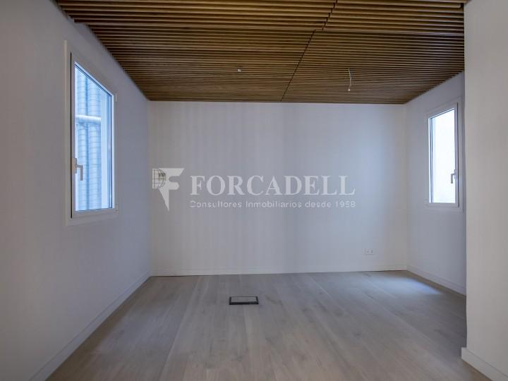 Excel·lent oficina rehabilitada en lloguer a l'Av. Diagonal. Barcelona. #11