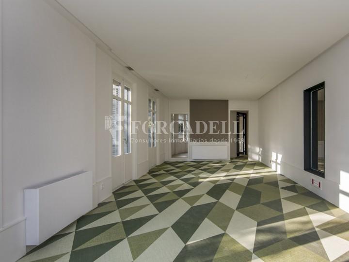 Excel·lent oficina rehabilitada en lloguer a l'Av. Diagonal. Barcelona. #25