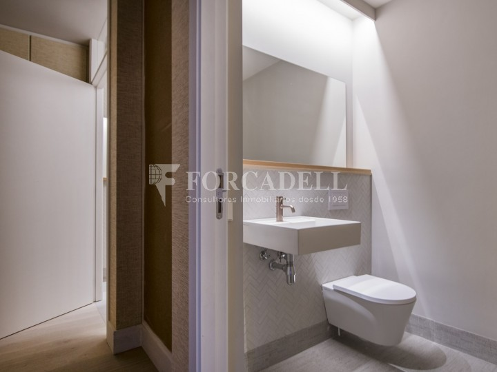 Excel·lent oficina rehabilitada en lloguer a l'Av. Diagonal. Barcelona. #28