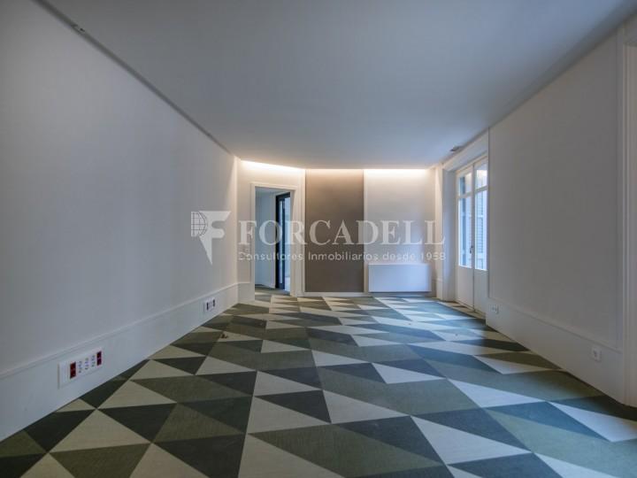 Excel·lent oficina rehabilitada en lloguer a l'Av. Diagonal. Barcelona. #32