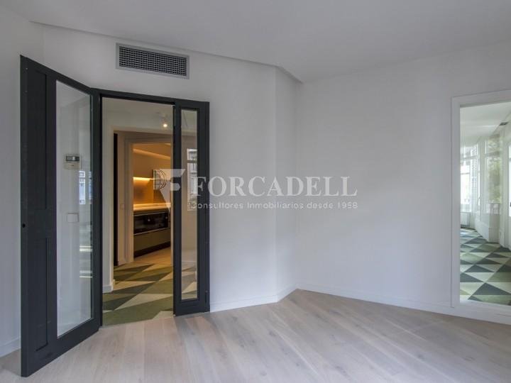 Excel·lent oficina rehabilitada en lloguer a l'Av. Diagonal. Barcelona. 11