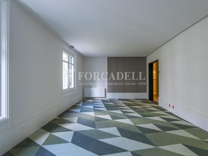 Excel·lent oficina rehabilitada en lloguer a l'Av. Diagonal. Barcelona. 12