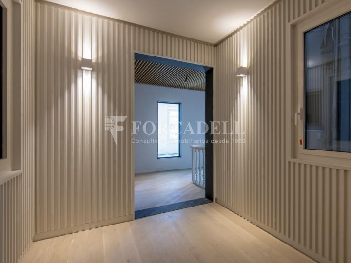 Excel·lent oficina rehabilitada en lloguer a l'Av. Diagonal. Barcelona. 6