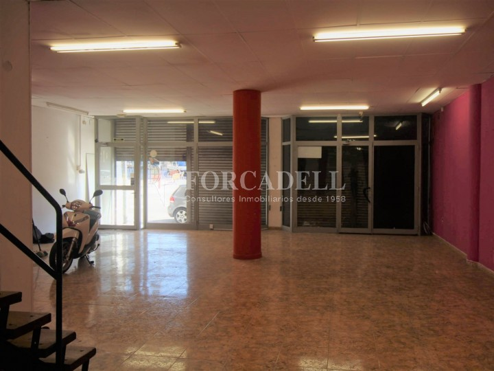 Commercial premises located in Josep Tapìoles street, 10 minutes walking from the Terrassa railway station. Barcelona. #1