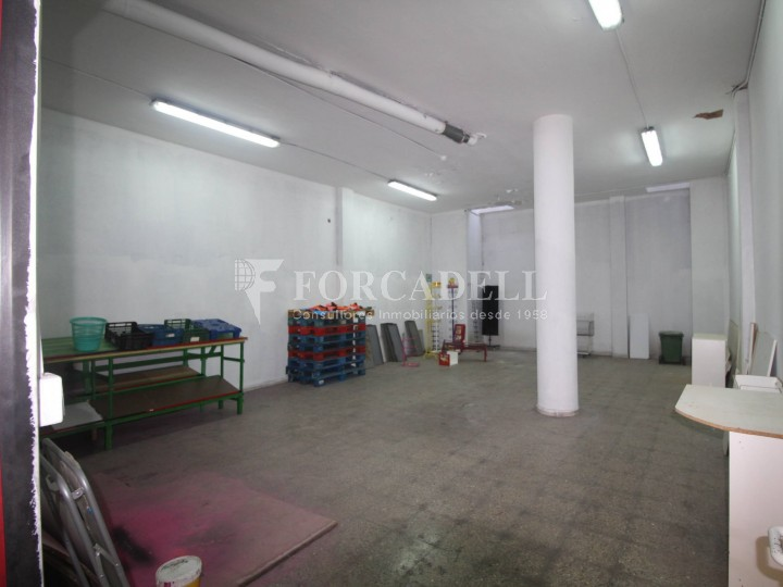 Commercial premises located in Josep Tapìoles street, 10 minutes walking from the Terrassa railway station. Barcelona. #8