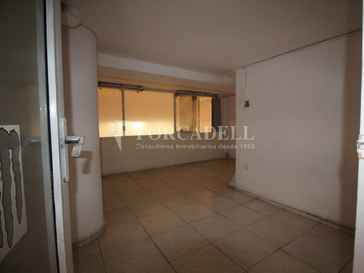 Commercial premises located in Josep Tapìoles street, 10 minutes walking from the Terrassa railway station. Barcelona. #10