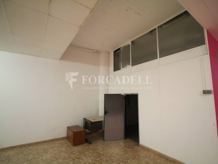 Commercial premises located in Josep Tapìoles street, 10 minutes walking from the Terrassa railway station. Barcelona. #11