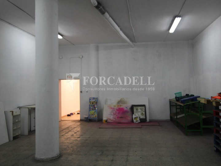 Commercial premises located in Josep Tapìoles street, 10 minutes walking from the Terrassa railway station. Barcelona. #13