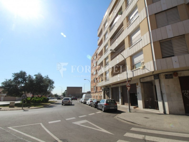 Commercial premises located in Josep Tapìoles street, 10 minutes walking from the Terrassa railway station. Barcelona. #15