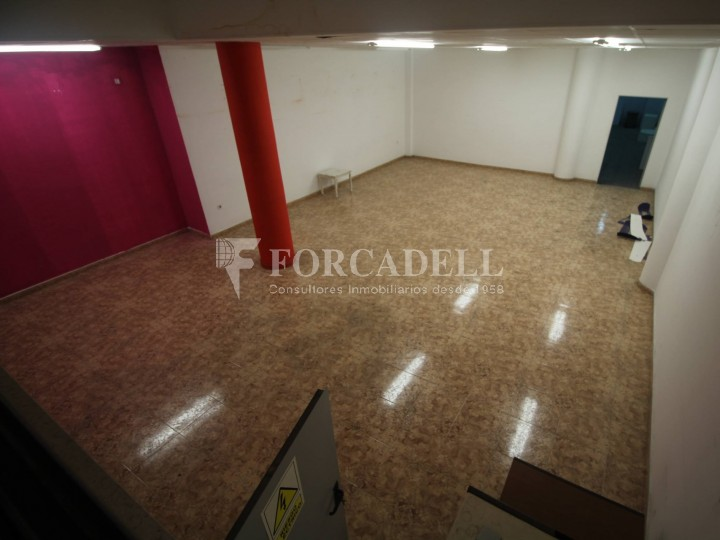 Commercial premises located in Josep Tapìoles street, 10 minutes walking from the Terrassa railway station. Barcelona. #5