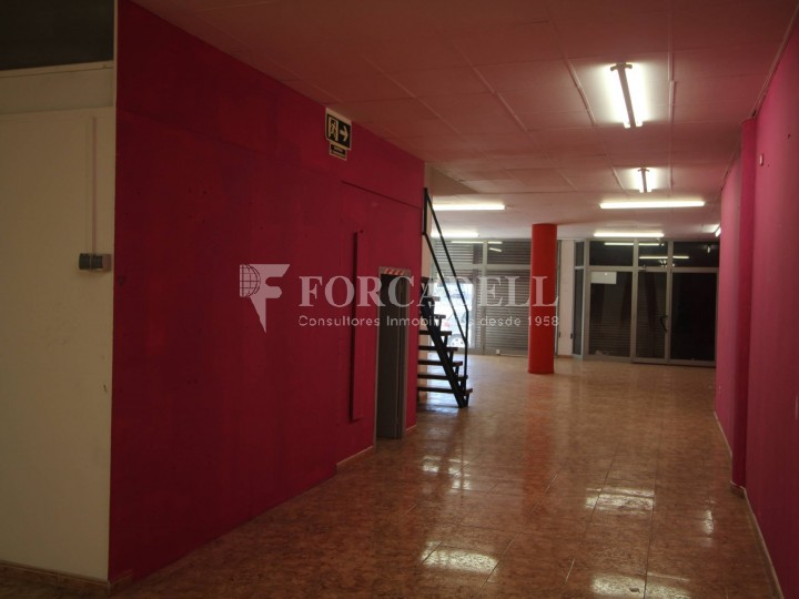 Commercial premises located in Josep Tapìoles street, 10 minutes walking from the Terrassa railway station. Barcelona. #6