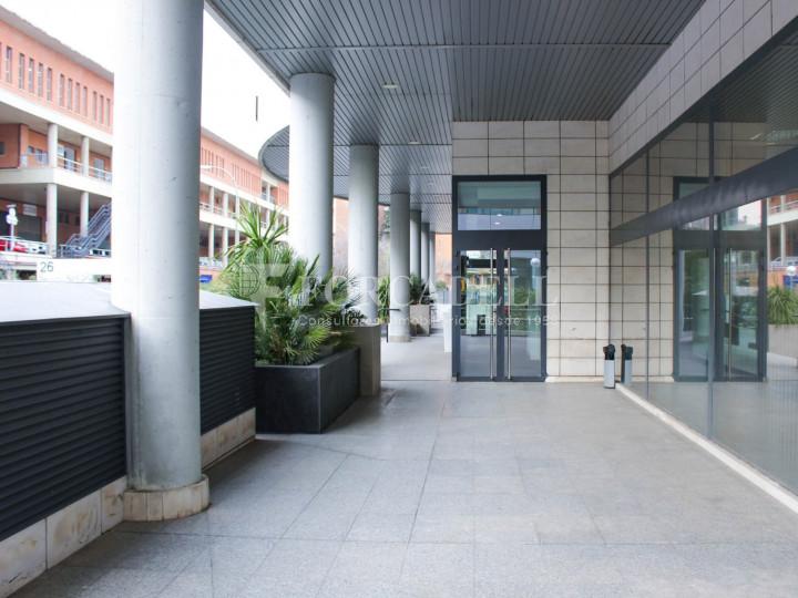 Oficina lluminosa de lloguer a Avinguda Manoteras, Madrid. 4
