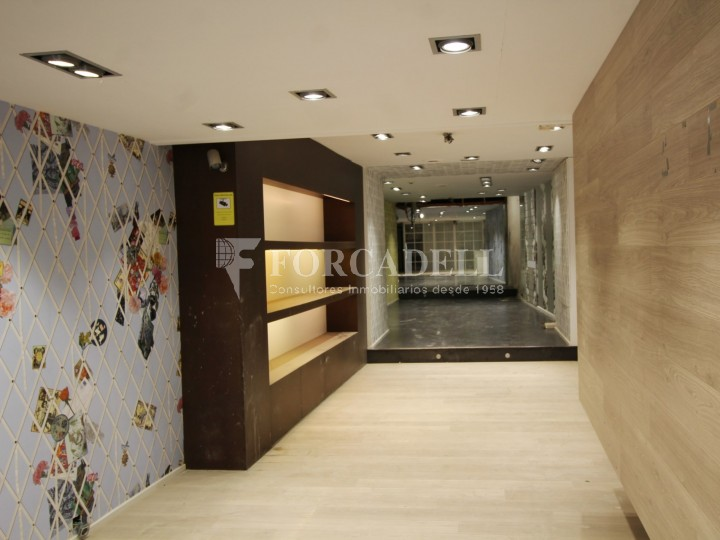Commercial premises available in the center of Terrassa, a few meters from Plaça Vella. Barcelona. 1