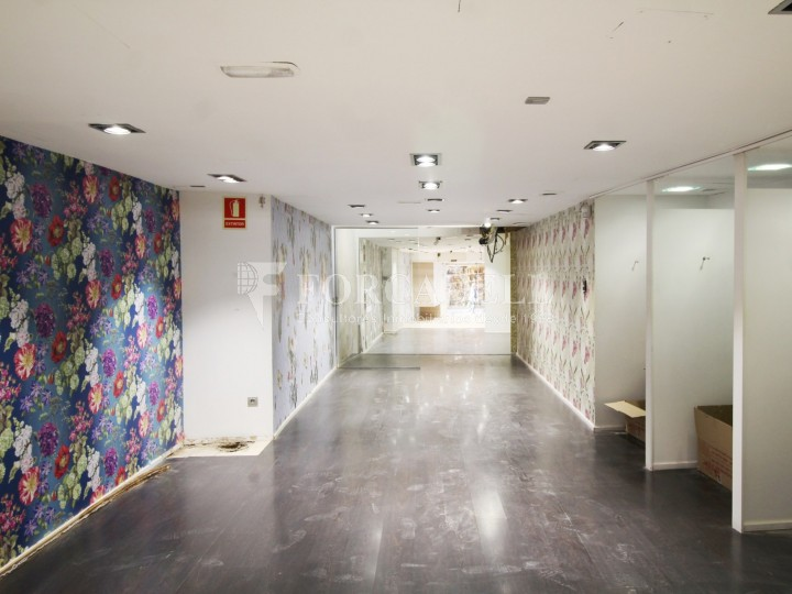 Commercial premises available in the center of Terrassa, a few meters from Plaça Vella. Barcelona. #2