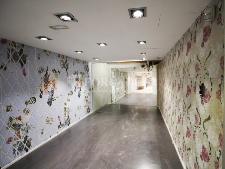 Commercial premises available in the center of Terrassa, a few meters from Plaça Vella. Barcelona. 4