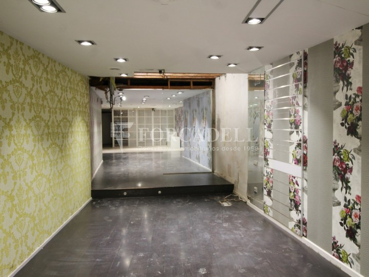 Commercial premises available in the center of Terrassa, a few meters from Plaça Vella. Barcelona. 5